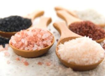 Comparison of Salt: Himalayan Salt - Kosher Salt - Regular Salt - ...